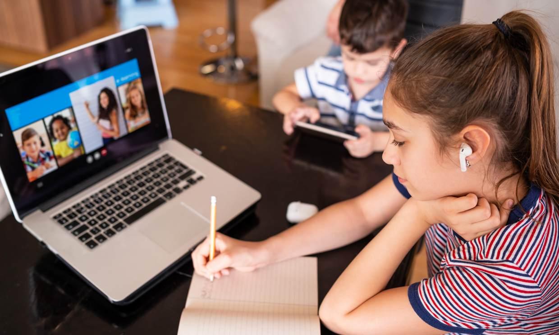 Las ingeniosas tácticas de los profesores para evitar que los alumnos copien en los exámenes