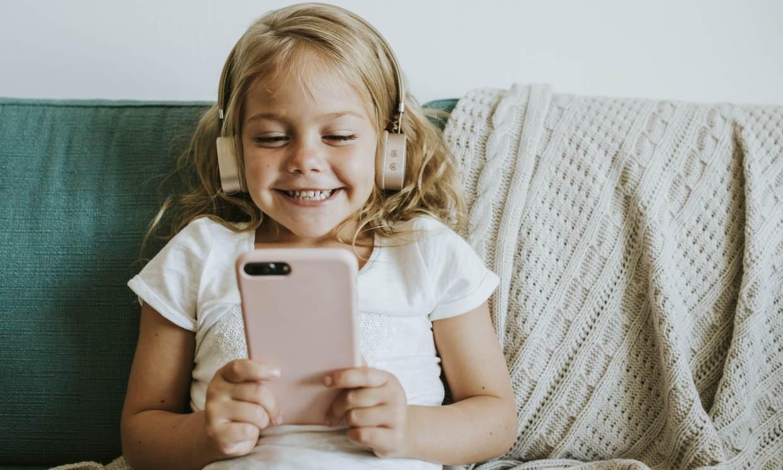 Estas son las palabras que tus hijos utilizan en Internet (y que tú deberías conocer)