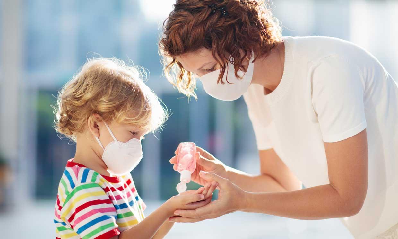 Consejos para evitar que los geles hidroalcohólicos perjudiquen la piel de los niños