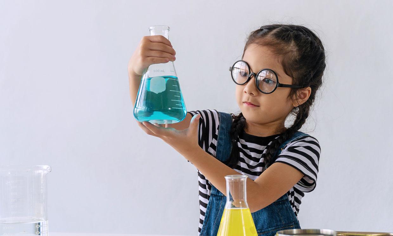 Cómo despertar el interés de las niñas por la ciencia