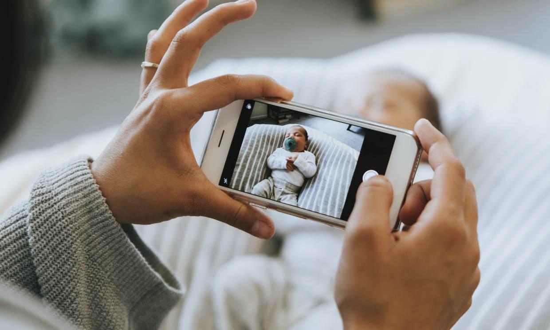 Qué riesgos tiene compartir las fotos de tus hijos en las redes sociales