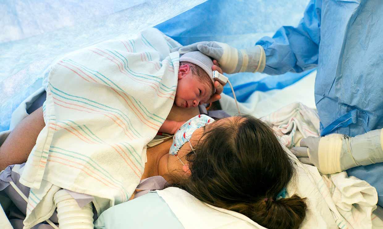 ¿Han cambiado los protocolos en los partos por cesárea?