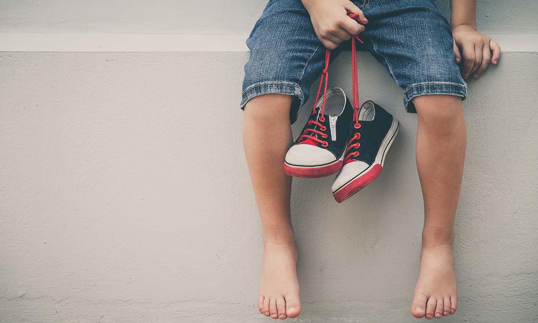 Pies planos, plantillas, qué calzado elegir... todo sobre los pies de los niños