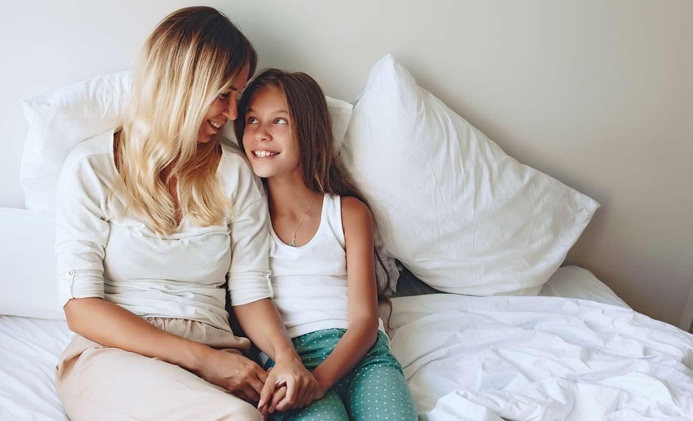 Cómo preparar a tu hija para su primera menstruación