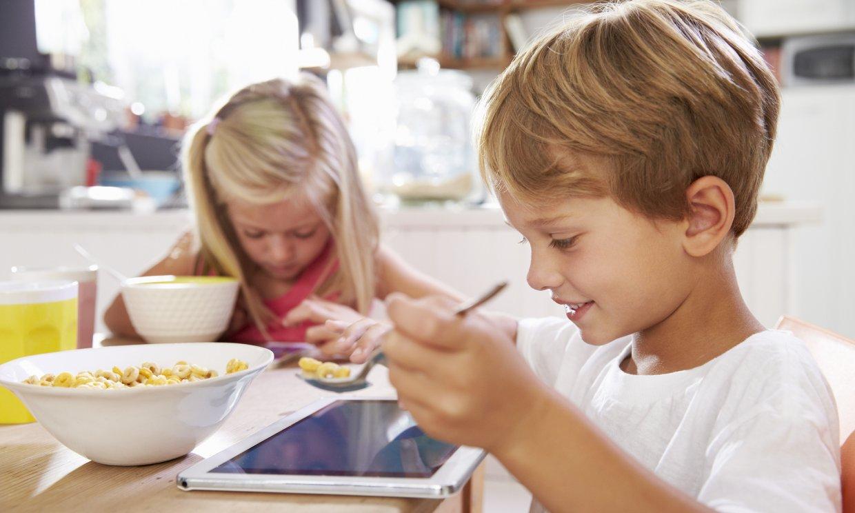 Los productos de desayuno infantil triplican la cantidad de azúcar de los destinados a los adultos
