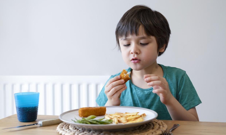 ¿Están tus hijos comiendo demasiadas grasas?