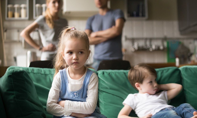 Cómo lidiar con los celos entre hermanos