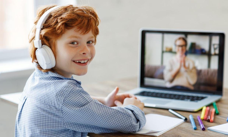 Los niños se pasan 75 minutos al día enganchados a TikTok