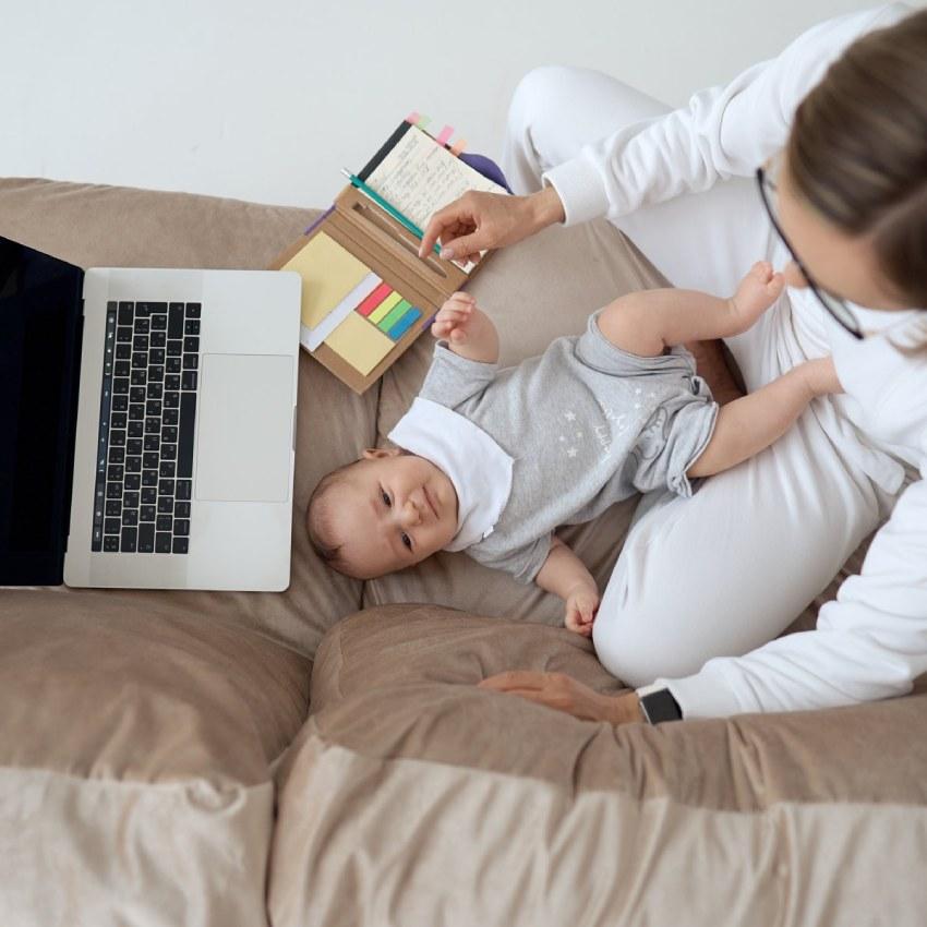 Teletrabajo y maternidad: cómo compaginarlo