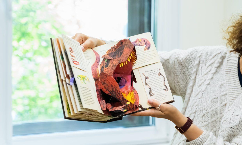 ¿A tu hijo le gustan los dinosaurios? Con estos libros lo aprenderán todo sobre ellos