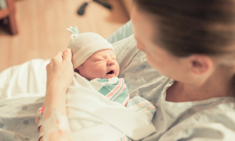 ¿Qué es el meconio y qué significa que aparezca antes de dar a luz?