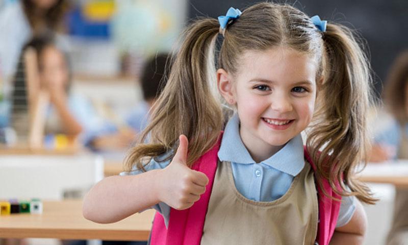 Vuelta al cole: Seis claves para que los niños aprendan a prevenir los dolores de espalda