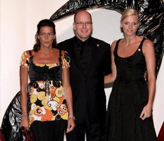 Charlene Wittstock, invitada de excepción en la gala monegasca contra el sida presidida por la princesa Estefanía