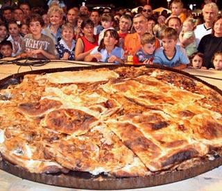 Resultado de imagen de empanada gigante