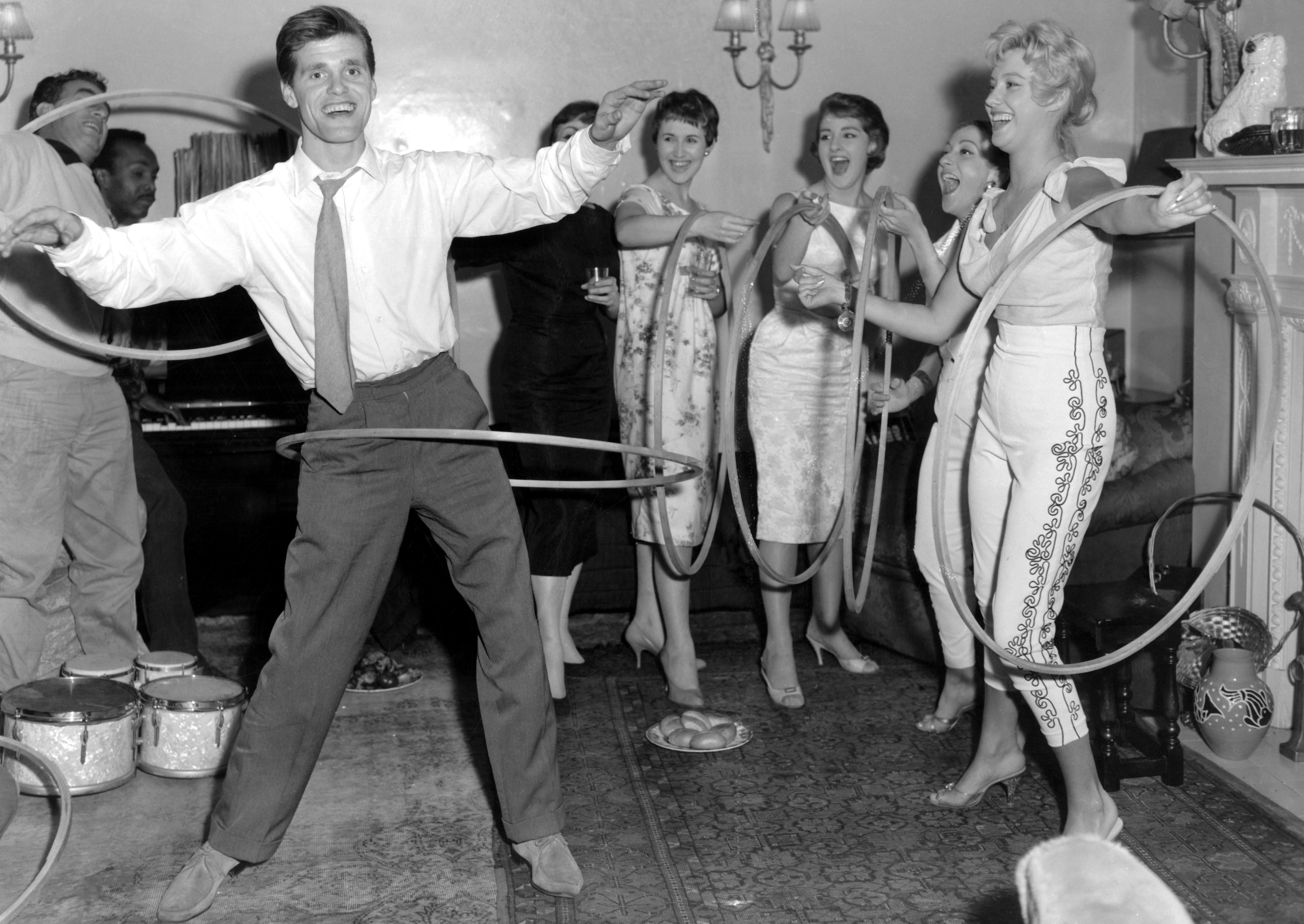 Fallece Richard Knerrel inventor del 'hula hoop'