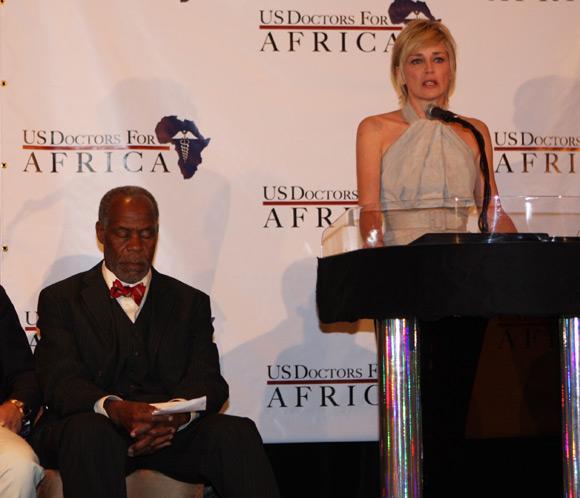Sharon Stone brinda todo su apoyo a las mujeres africanas