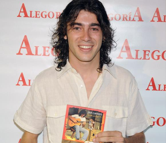 Javi Cantero, el hijo de El Fary, presenta disco apadrinado por Juan y Medio y Lolita