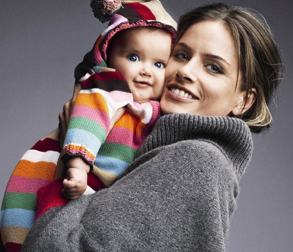 Amanda Peet y su hija