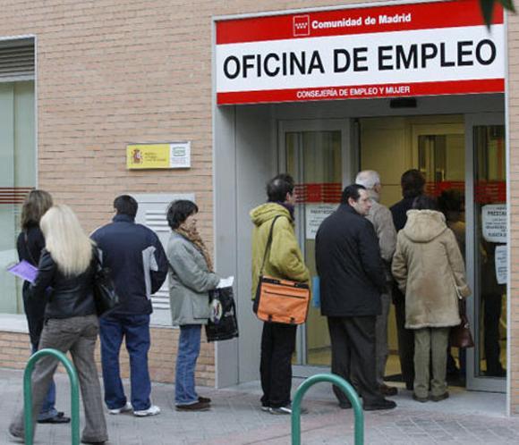 El paro en el mes de mayo registra un descenso de for Horario oficina inem madrid