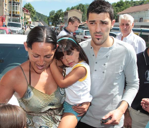 David Villa Se Re Ne Con Sus Familiares Y Amigos En Su