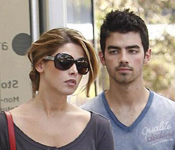 Ashley Green y Joe Jonas, cada vez más unidos