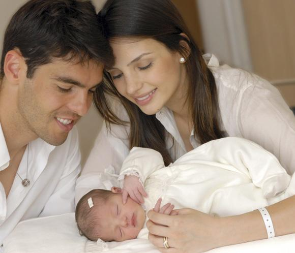 Juegos De Kaka Del Baño:Primera fotografía de Isabella, la hija recién nacida de Kaká