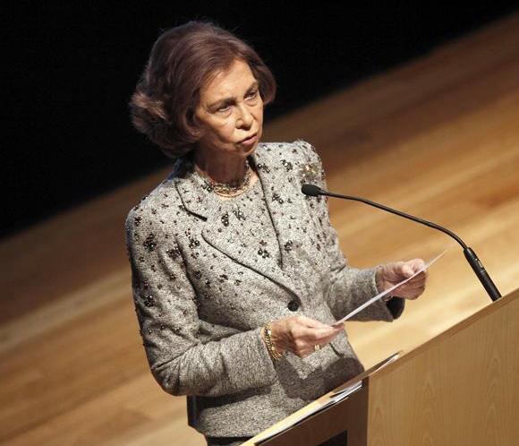 DoñaSofíaafirma que España trabajará para extender microcréditos por el mundo