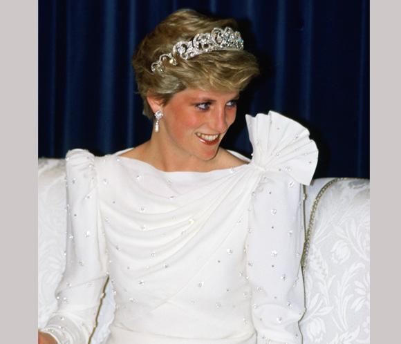 El vestuario de la princesa Diana expuesto en el renovado palacio de Kensington