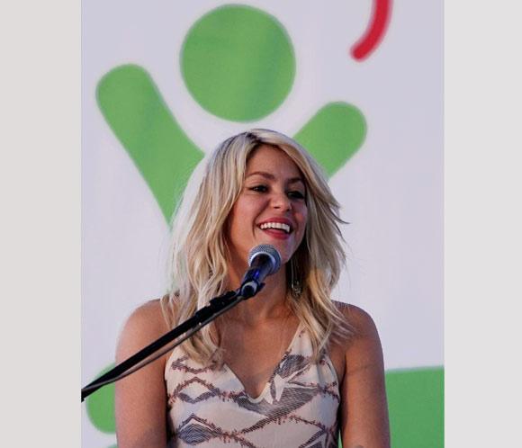 Shakira anuncia en la Cumbre de las Américas una alianza educativa para niños