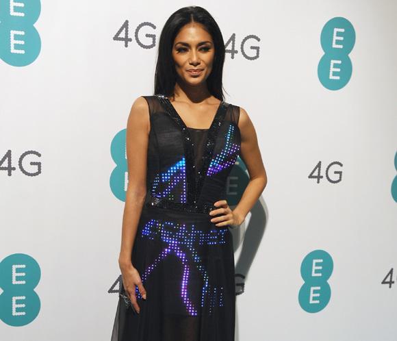 Nicole Scherzinger deslumbra con un 'vestido Twitter '