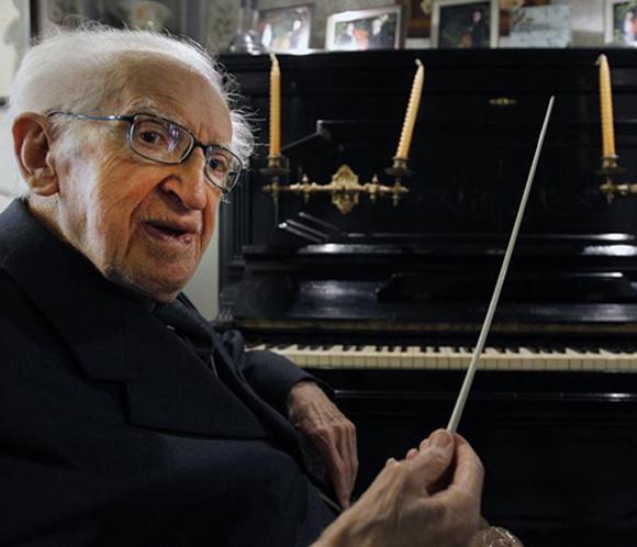 Un director de orquesta valenciano de 98 años consigue tres récords Guinness