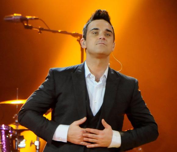 Robbie Williams vuelve ocho años después al número uno con 'Candy'