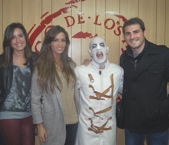 Isabel Jiménez, Iker Casillas y Sara Carbonero viven una noche terrorífica en el circo de los horrores