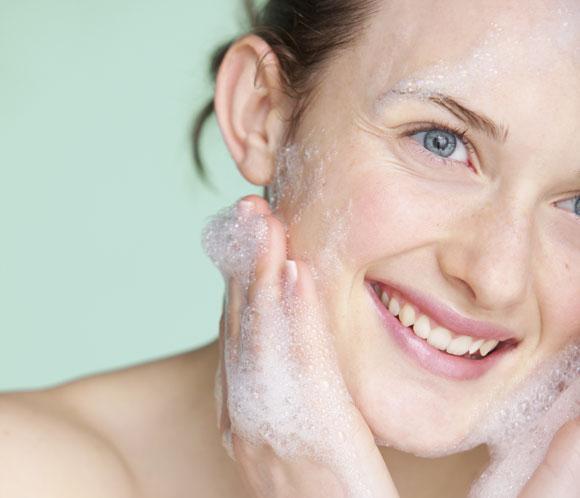 Cinco claves para una buena limpieza facial