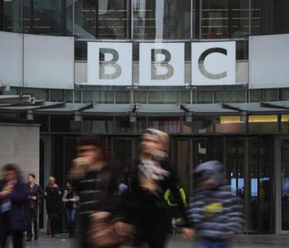 La BBC busca recuperar su credibilidad tras la caída del director general