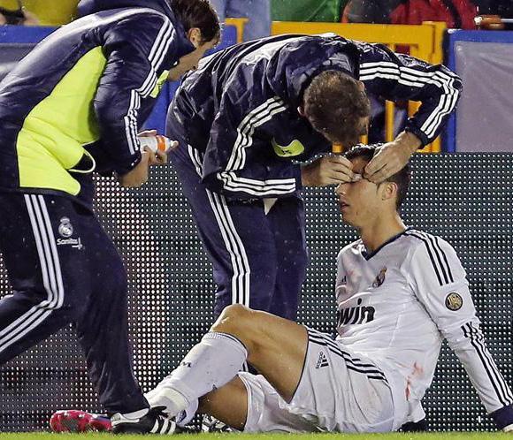 Cristiano Ronaldo perdió parte de la visión de los dos ojos en el descanso contra el Levante