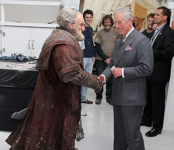 El príncipe Carlos de Inglaterra recibe una felicitación muy particular por su 64 cumpleaños