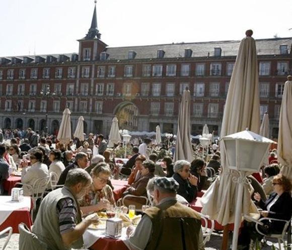 España recibió 52,1 millones de turistas hasta octubre, el 3,1 por ciento más