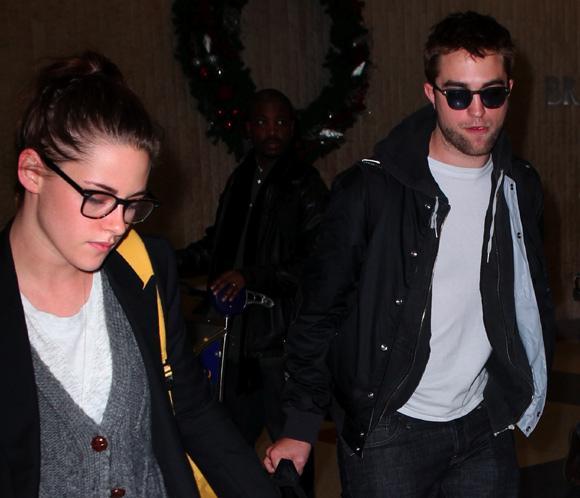 Robert Pattinson y Kristen Stewart celebran Acción de Gracias con la familia del actor