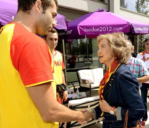 La Reina gana al príncipe Felipe y al Rey como embajadora de la Marca España