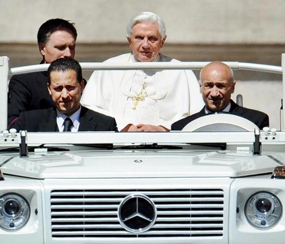 El papa Benedicto XVI indulta a su exmayordomo y le perdona personalmente en prisión