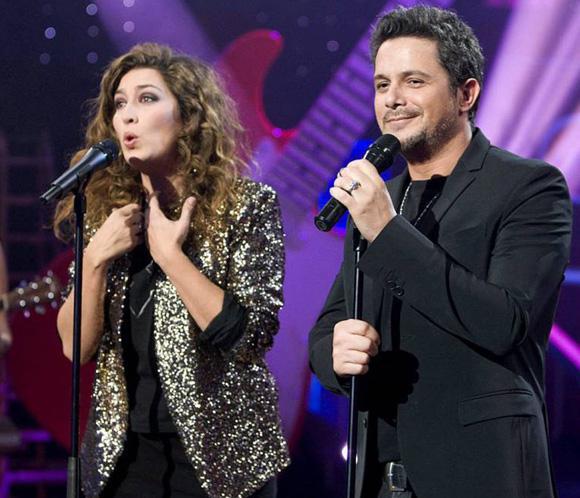 Paz Padilla, Alejandro Sanz, Miguel Bosé y 'Los Simpson' amenizan la Nochebuena