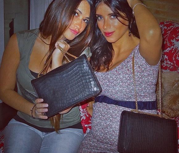 Daniella Semaan, novia de Cesc Fábregas, luce su 'tripita' de embarazadaen Twitter