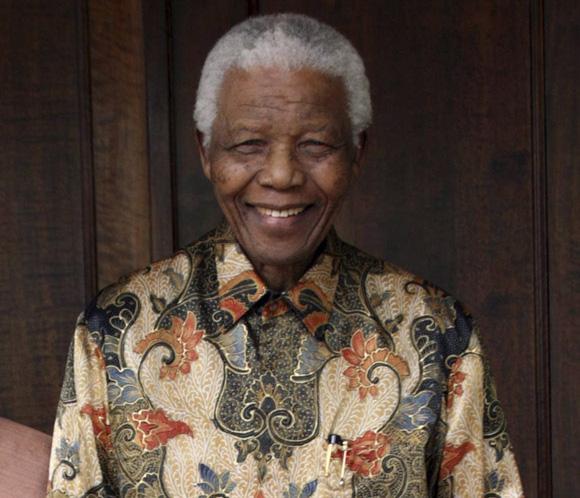 Nelson Mandela presenta signos de mejoría tras pasar la Navidad hospitalizado