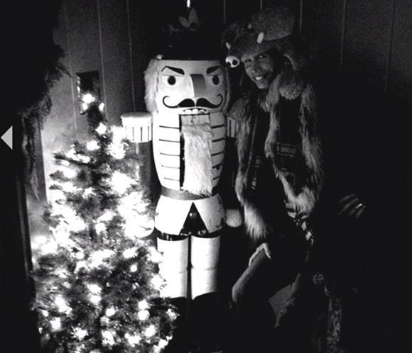 La felicitación navideña más familiar de Liv Tyler