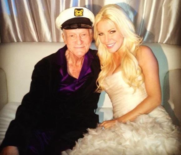 Hugh Hefner, fundador de 'Playboy', se casa con Crystal Harris, 60 años menor que él