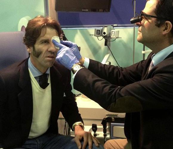 Juan José Padilla evoluciona satisfactoriamente tras su operación del ojo izquierdo
