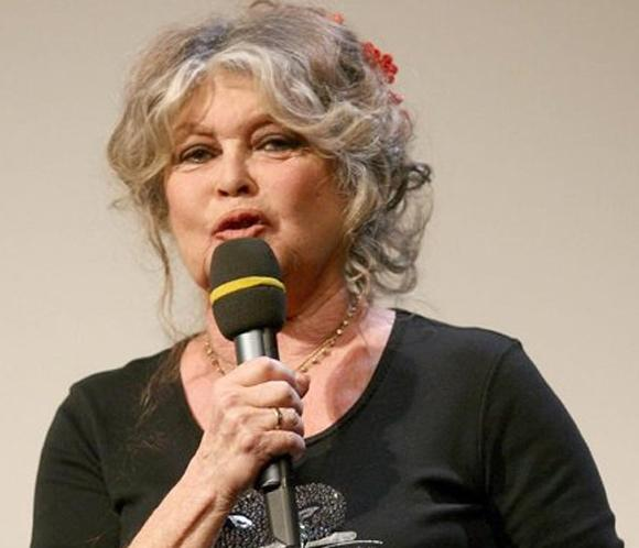 Brigitte Bardot se nacionalizará rusa, como Depardieu, si no salvan a dos elefantes