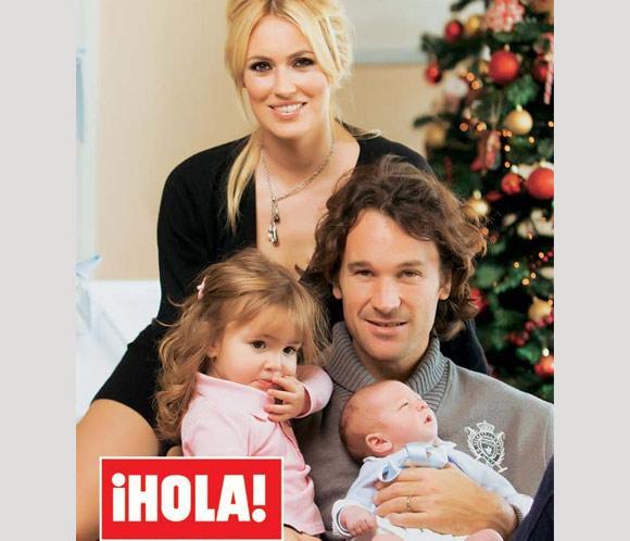 En ¡HOLA!: Carolina Cerezuela y Carlos Moyá nos presentan a su hijo, Carlos