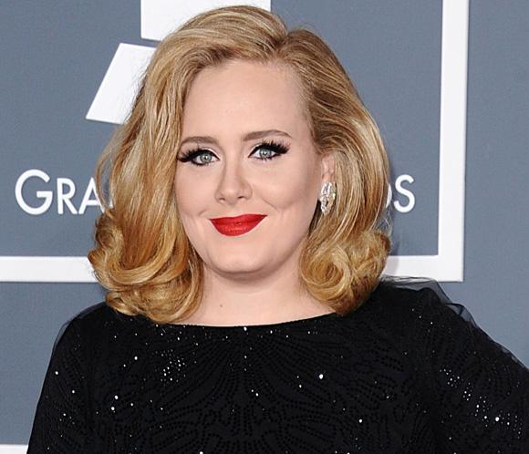 Adele reaparecerá tras ser mamá en los Globo de Oro